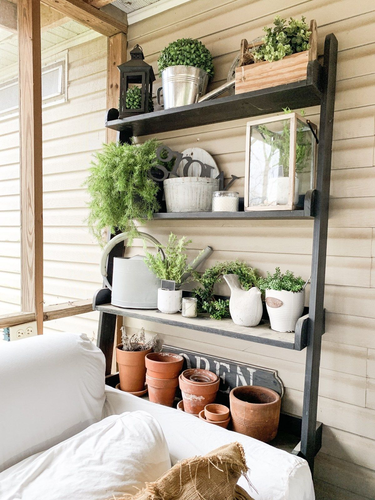 The Best Farmhouse Decor to Buy at Thrift Stores Lainey