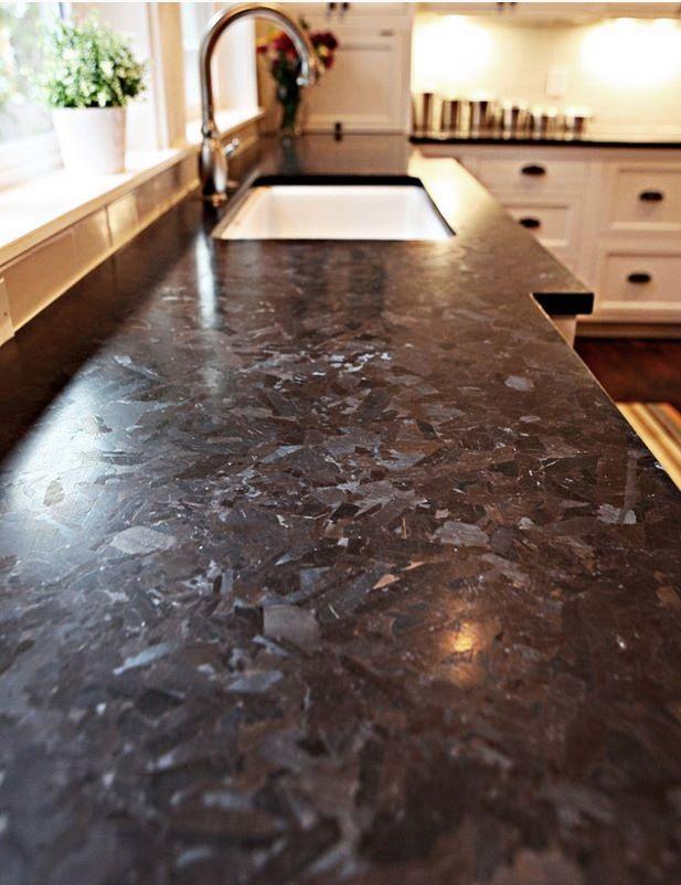 Brown Antique Granit Ist Im Griff Fast Weich Und Diese Spezifische Matte Oberflache Is Comptoir De Cuisine En Granit Granit Cuisine Plan De Travail Granit