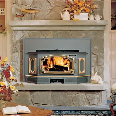 Freedom Bay Insert By Lopi Enjoy 12 Hour Burn Times Without Reloading In This Insert Des Wood Fireplace Inserts Wood Stove Fireplace Wood Burning Stove Insert