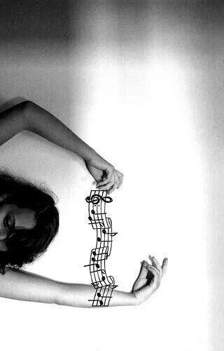 Envuelta por la música