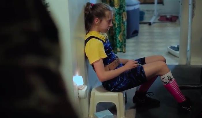 Supergirl Documental Basado En La Historia De Naomi Kutin Los Niños Más Fuertes Del Mundo Documentales Niños Dos Hermanas