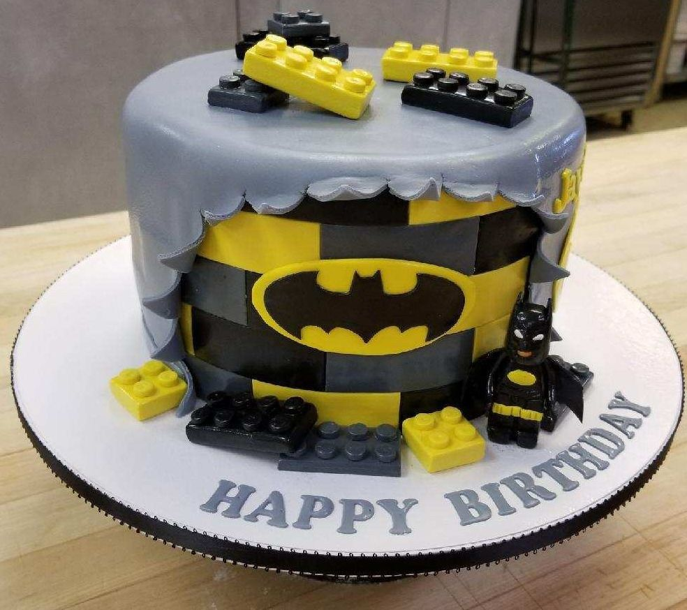 Cool 32 Pretty Photo Of Batman Birthday Cakes Batman Birthday Cakes Personalised Birthday Cards Veneteletsinfo
