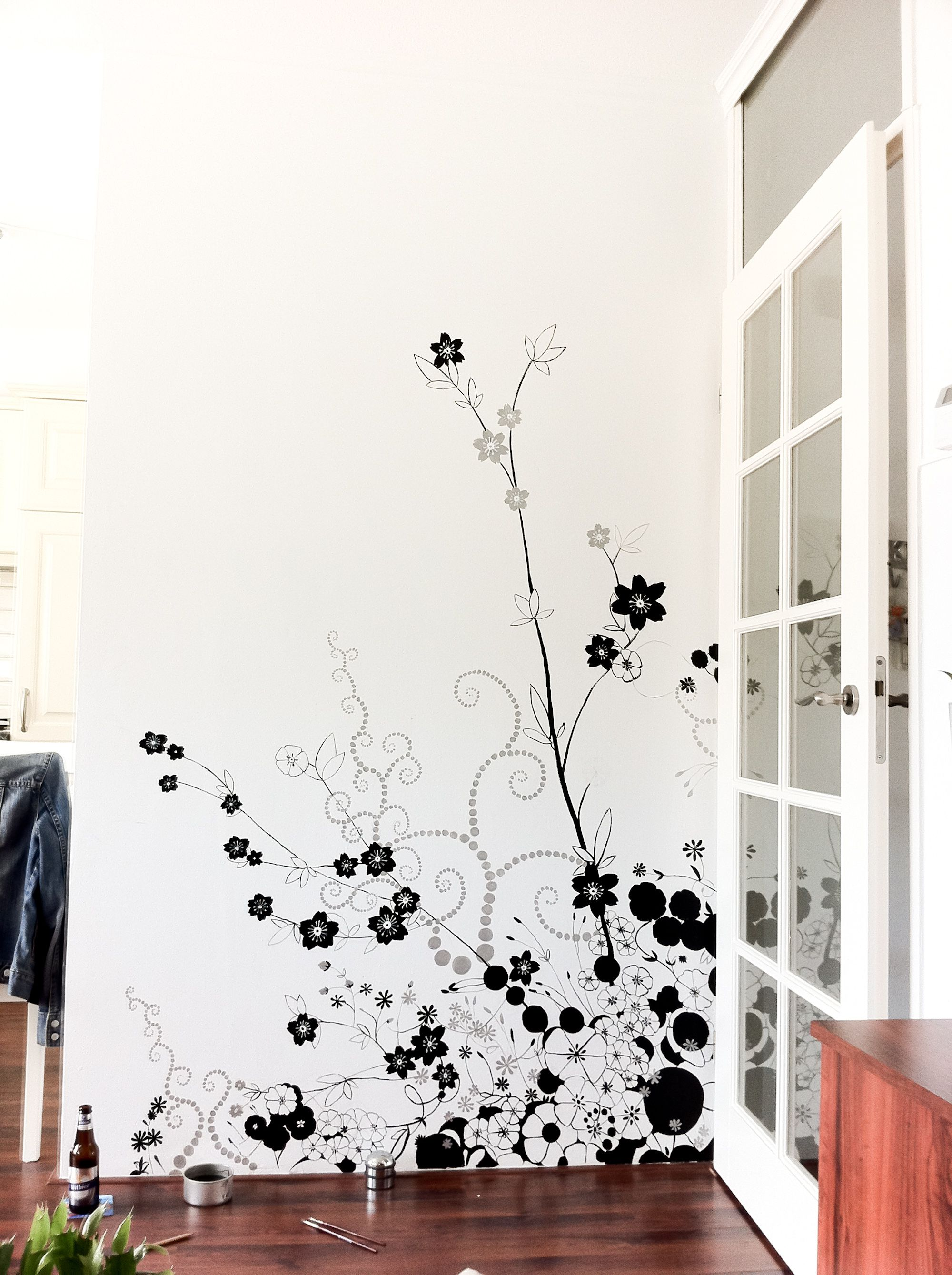 Bedroom paint designs black and white - Incredible High Resolution Of Black Flower Wall Art Design In White Background Painted Wall With Maple Wood Window Frame Also Red Cherry Wood Tile Floor For