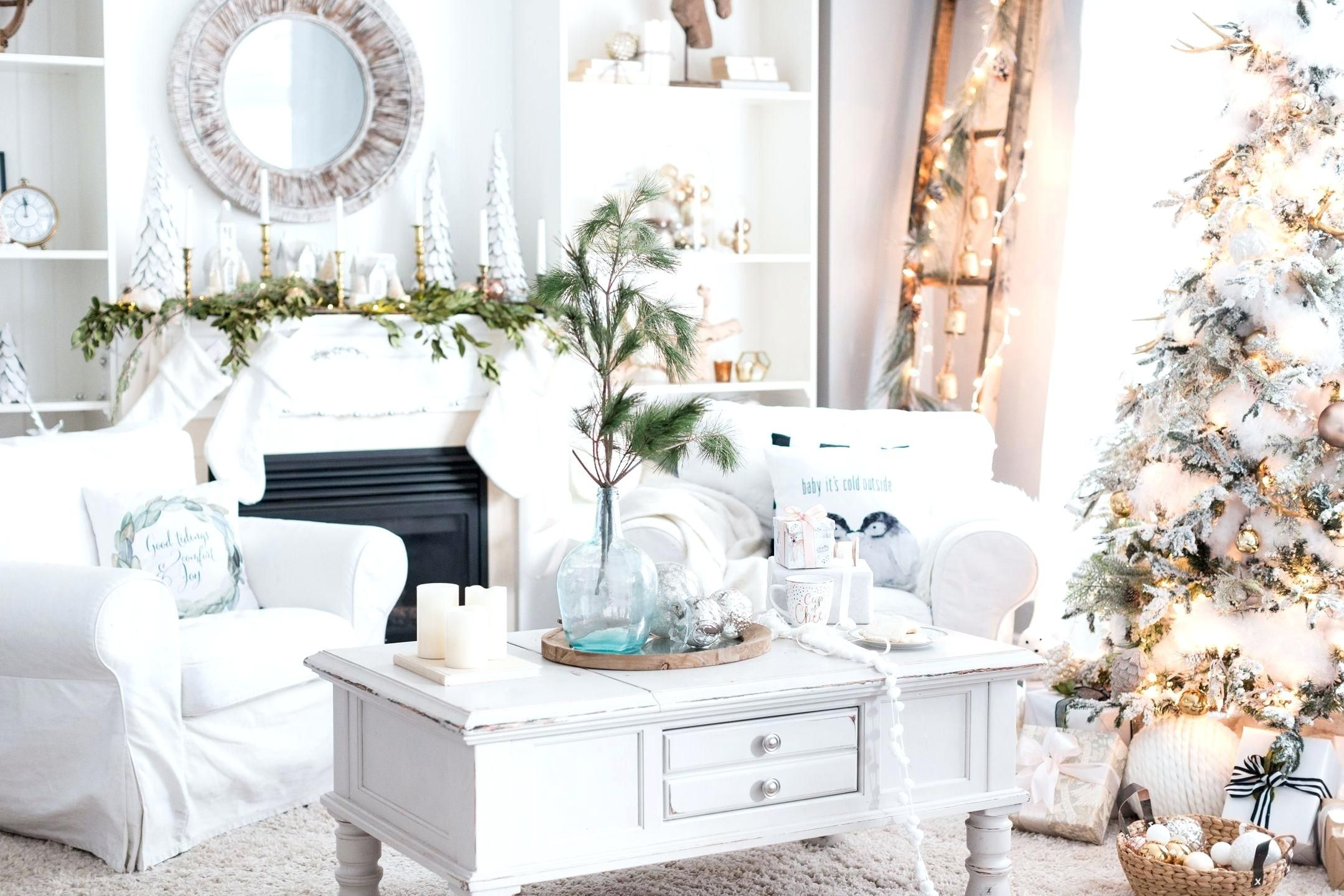 Beautiful Holiday Decorating Ideas For Small Spaces