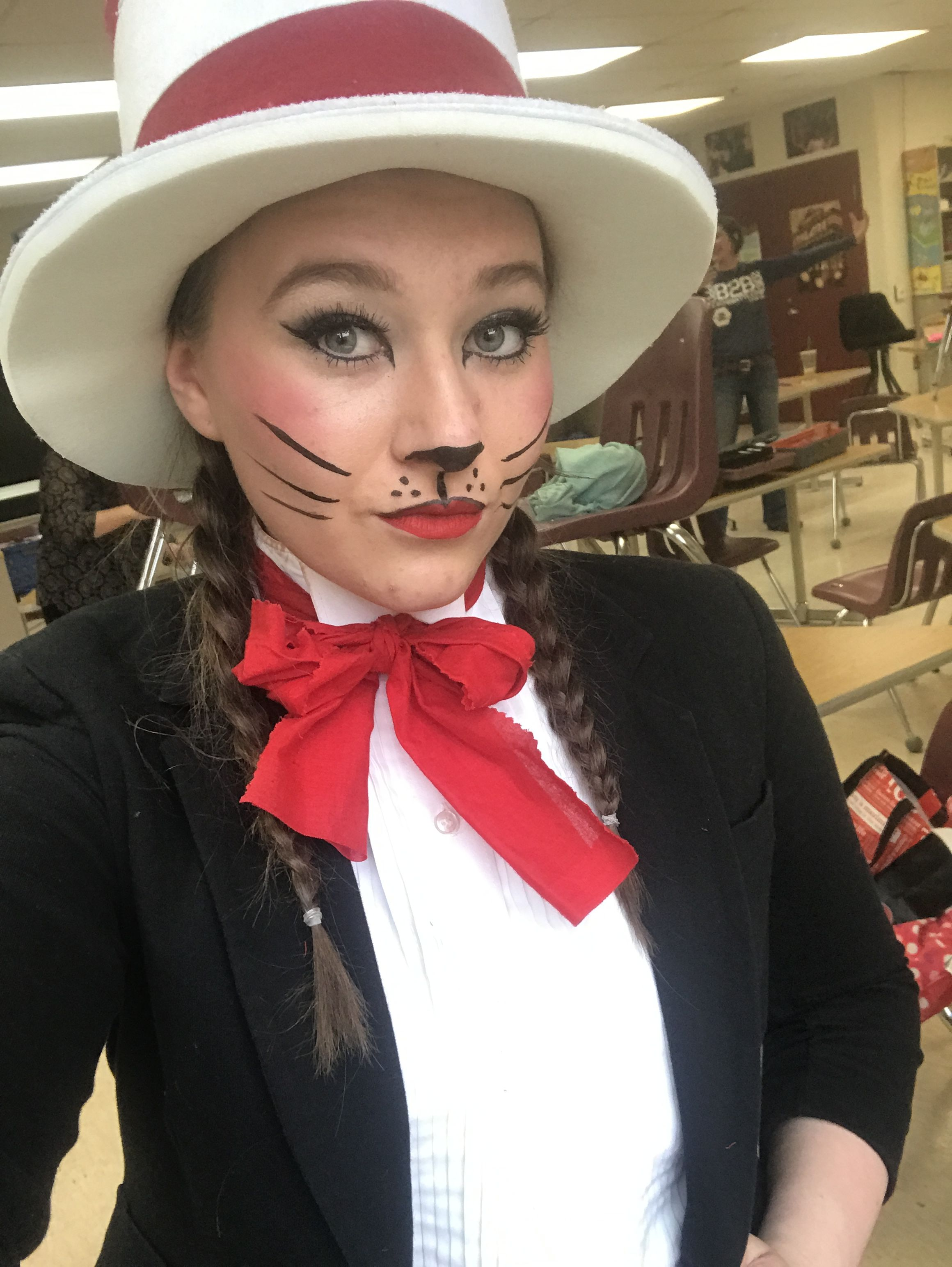 an easy cat in the hat costume and makeup #seussical #catinthehat