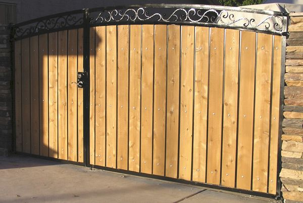 Arched Decorative Rv Gate With Black Steel And Light Cedar