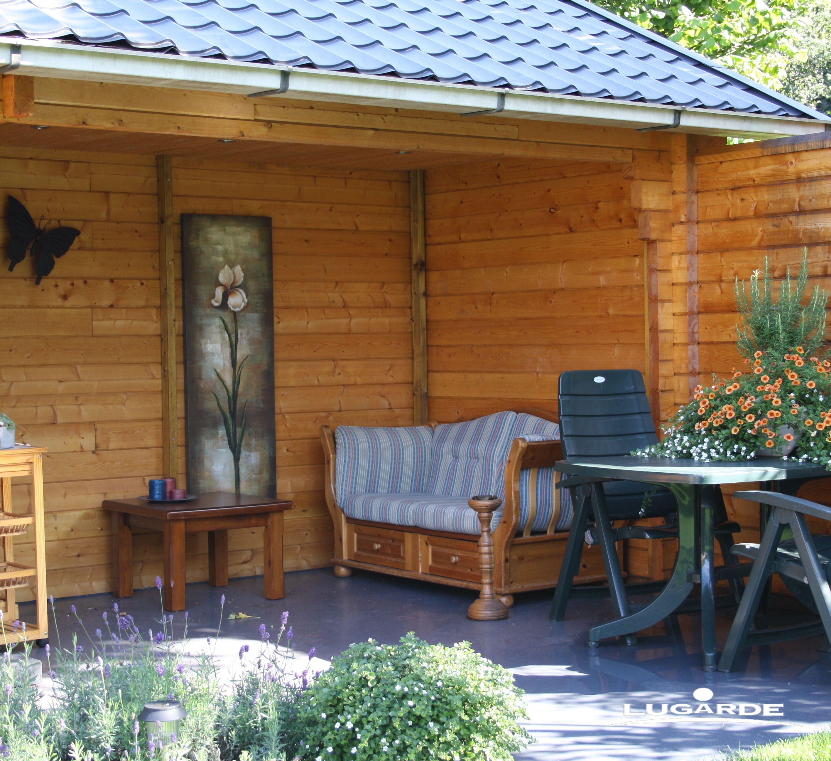 Rustikal, gemütlich und ländlich ist dieses offene Gartenhaus