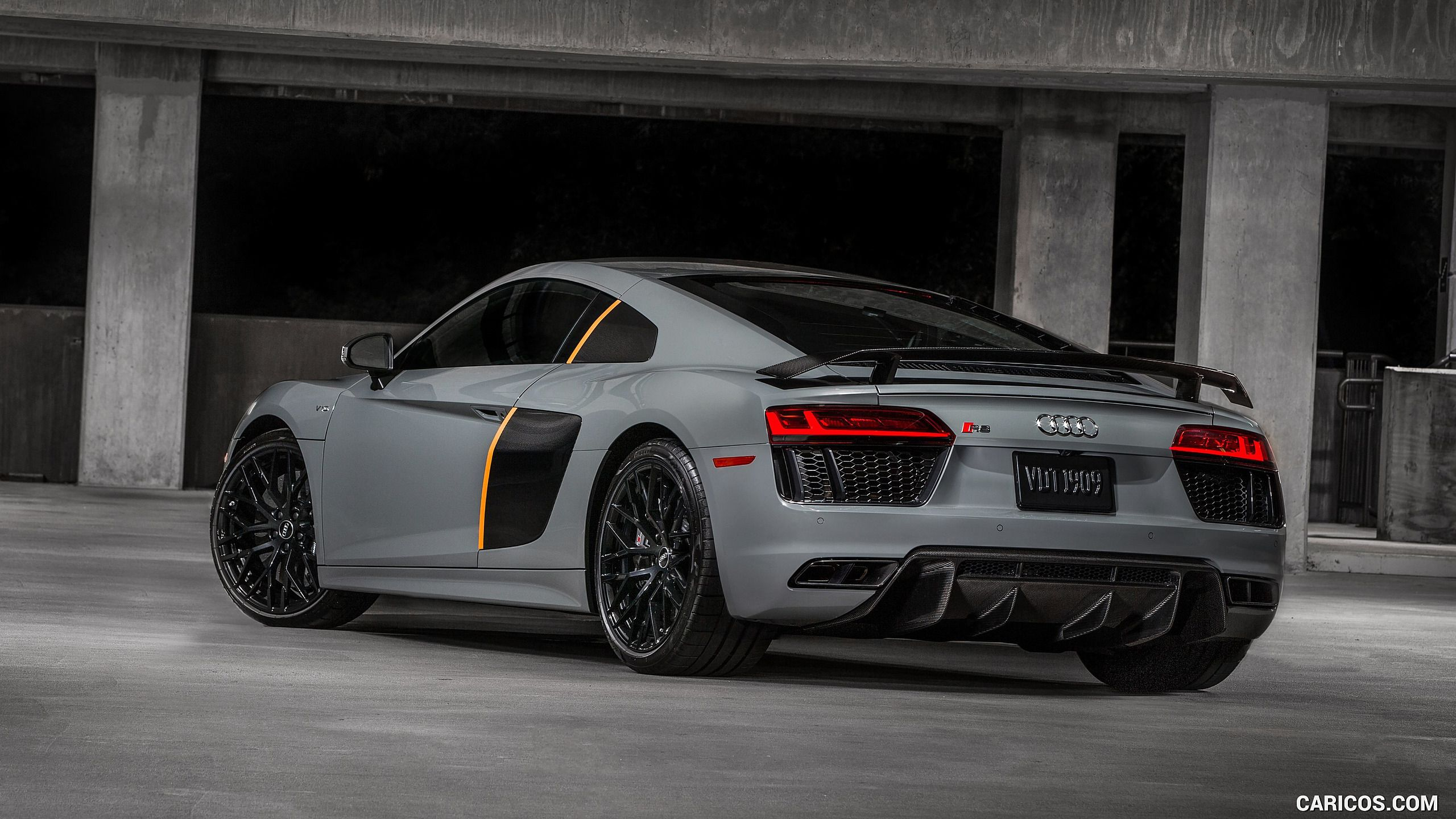 2017 Audi R8 V10 Plus Exclusive Edition Wallpaper (With