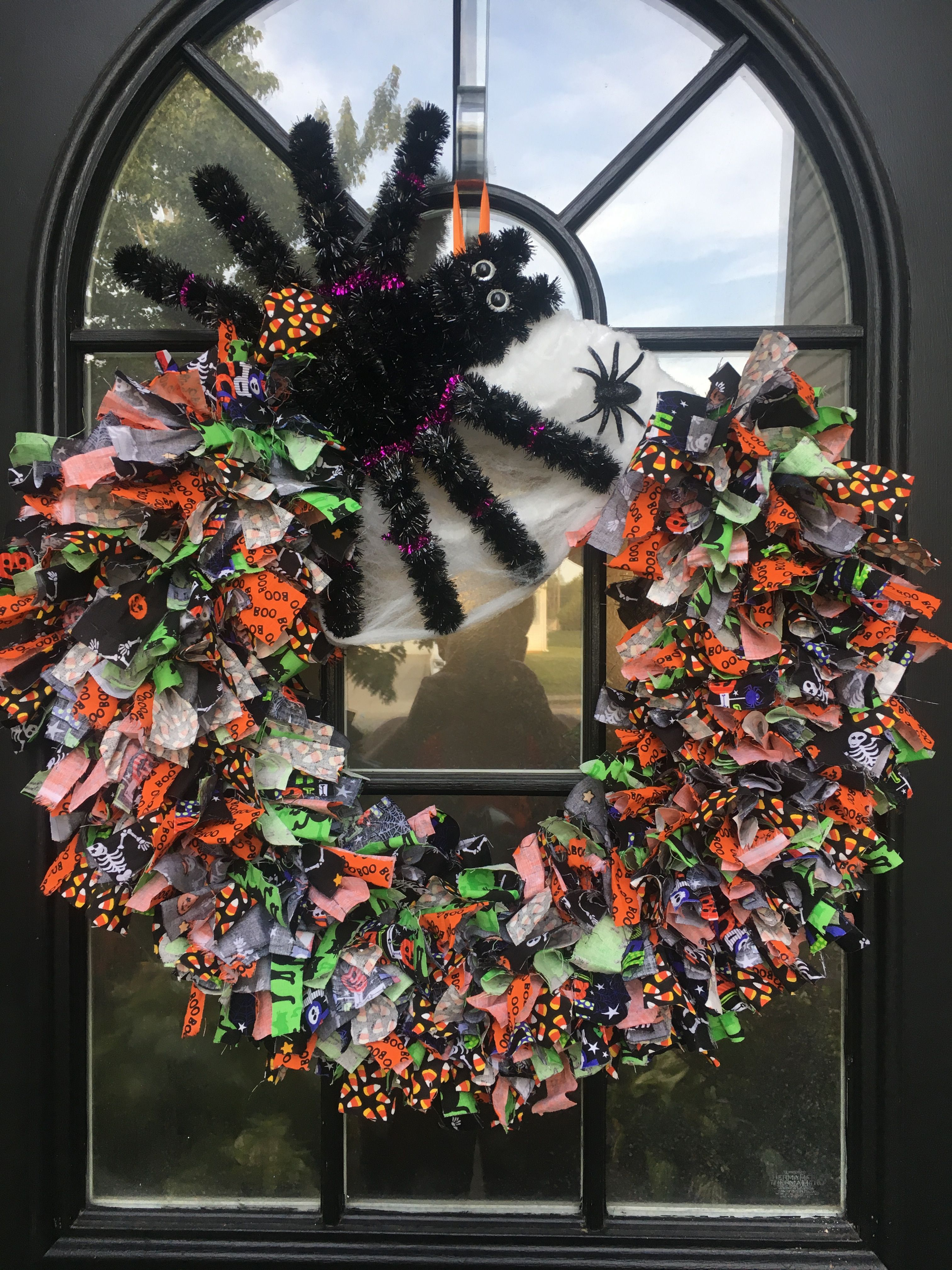Halloween wreath Halloween, Wreaths, Decor