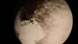 Image Of Pluto's Surface Backlit By The Sun Stuns Even The Experts - AOL