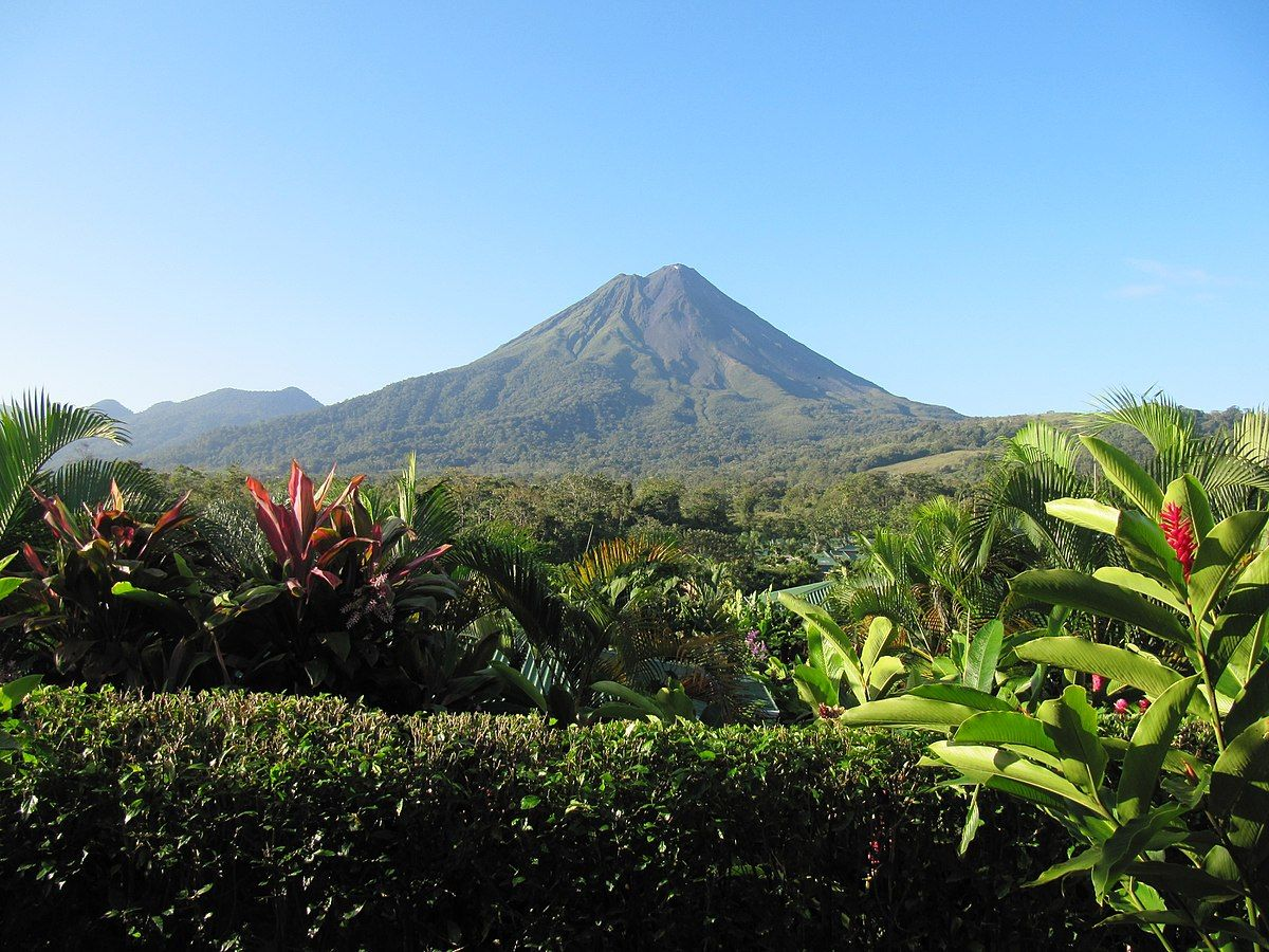 Arenal Volcano Spanish Volcan Arenal Is An Active