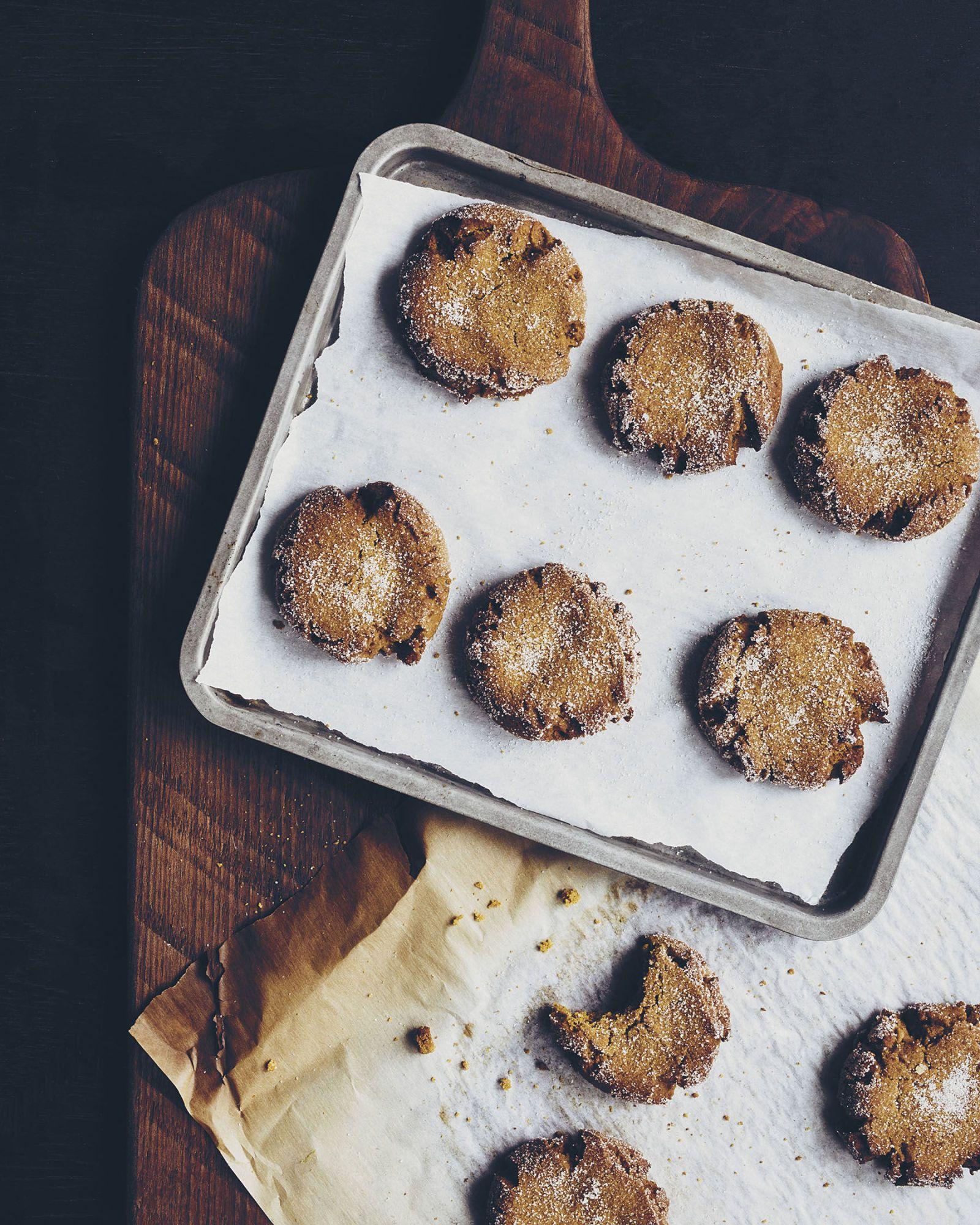 Gingersnap Crinkle Cookies