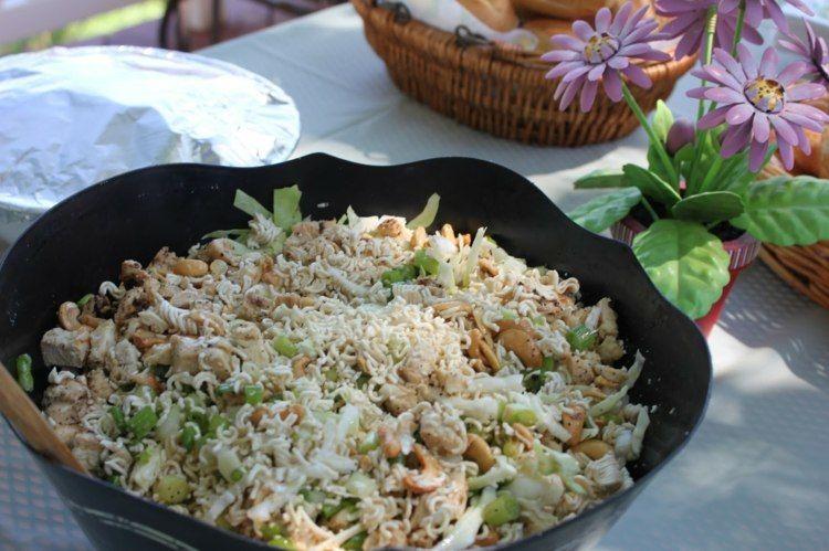 18+ Salat mit yum yum Trends
