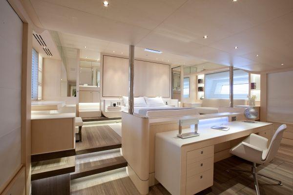 ZEFIRA yacht inneneinrichtung weies design schema