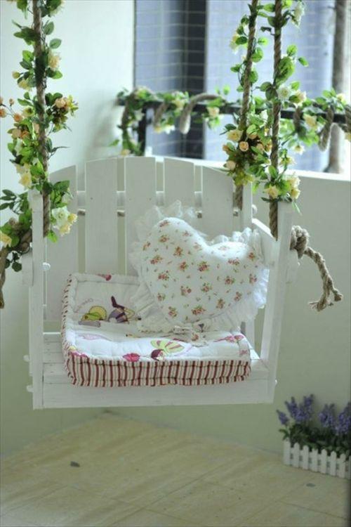 schaukel aus europaletten auflagen baby weich liebevoll paletten pinterest palette. Black Bedroom Furniture Sets. Home Design Ideas