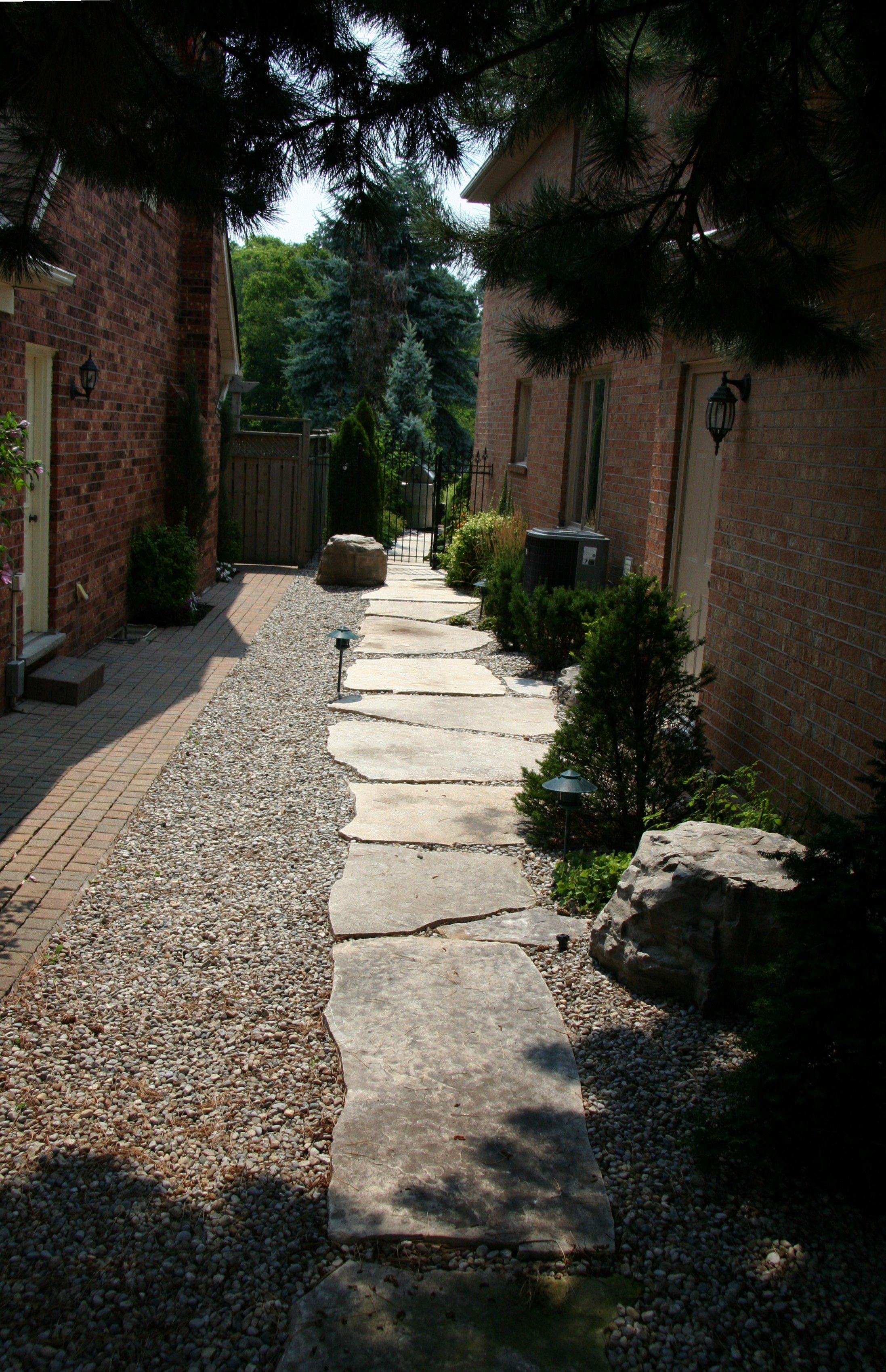 stpping stones stone walkway great ponds gardens on extraordinary garden stone pathway ideas to copy id=57544