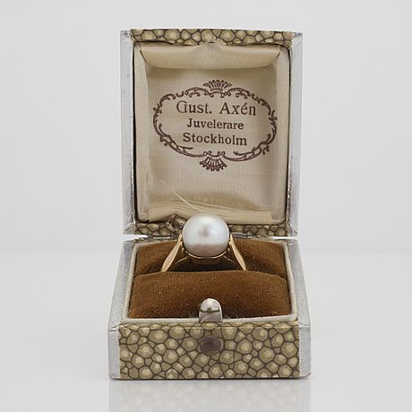 A ring with a pearl