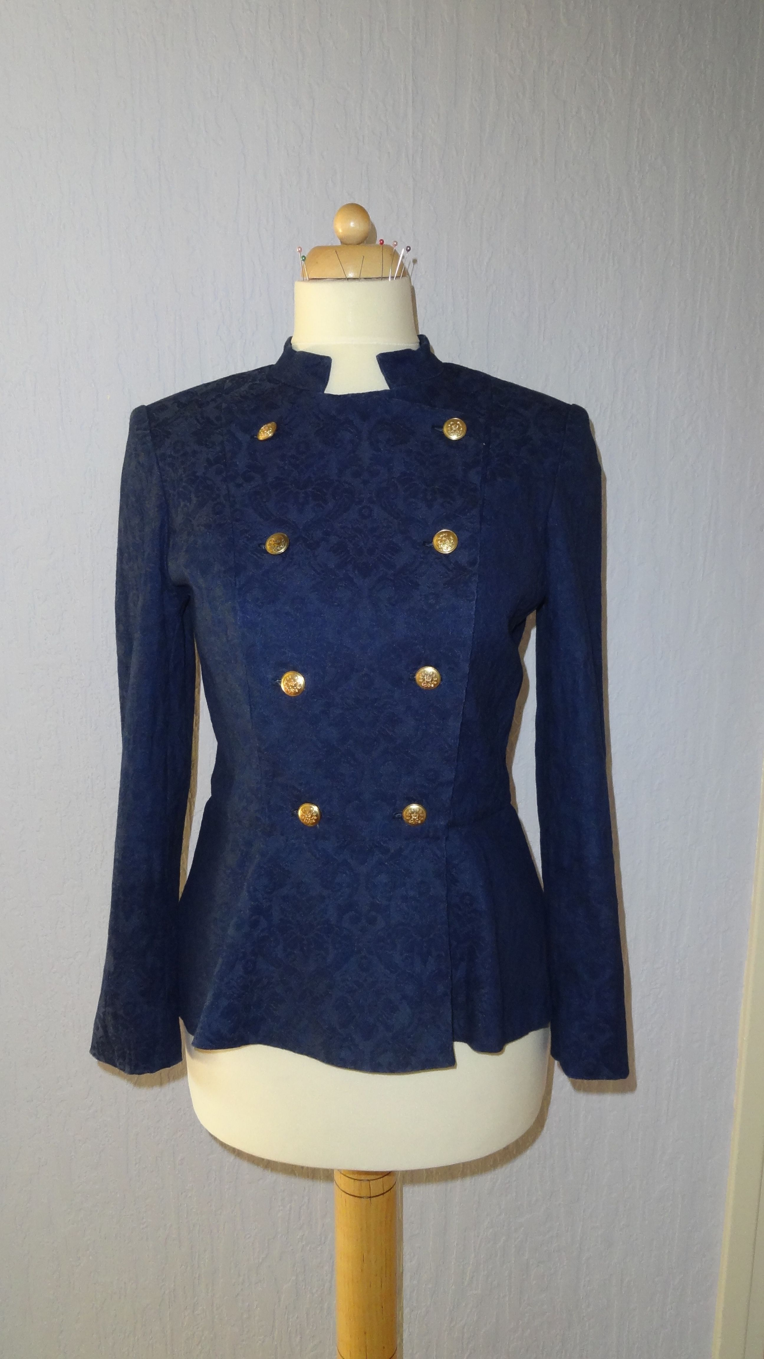 Military inspired jacket with peplum   Schnittmuster