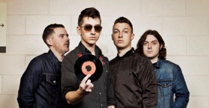 Arctic Monkeys anuncia nuevo disco para este 2013