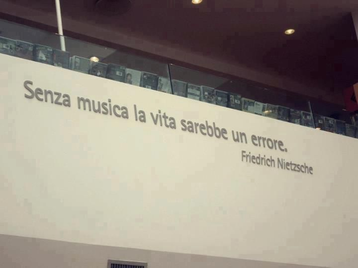 Senza musica...