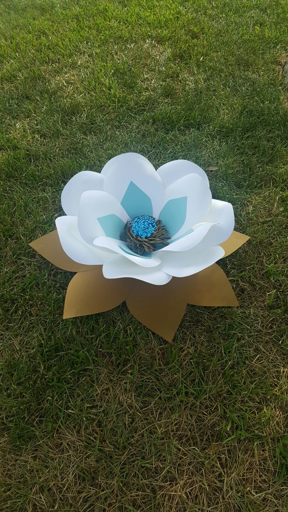 aaliyah extra large paper flower comes in diffrent colors large paper flowers dhlflorist Choice Image