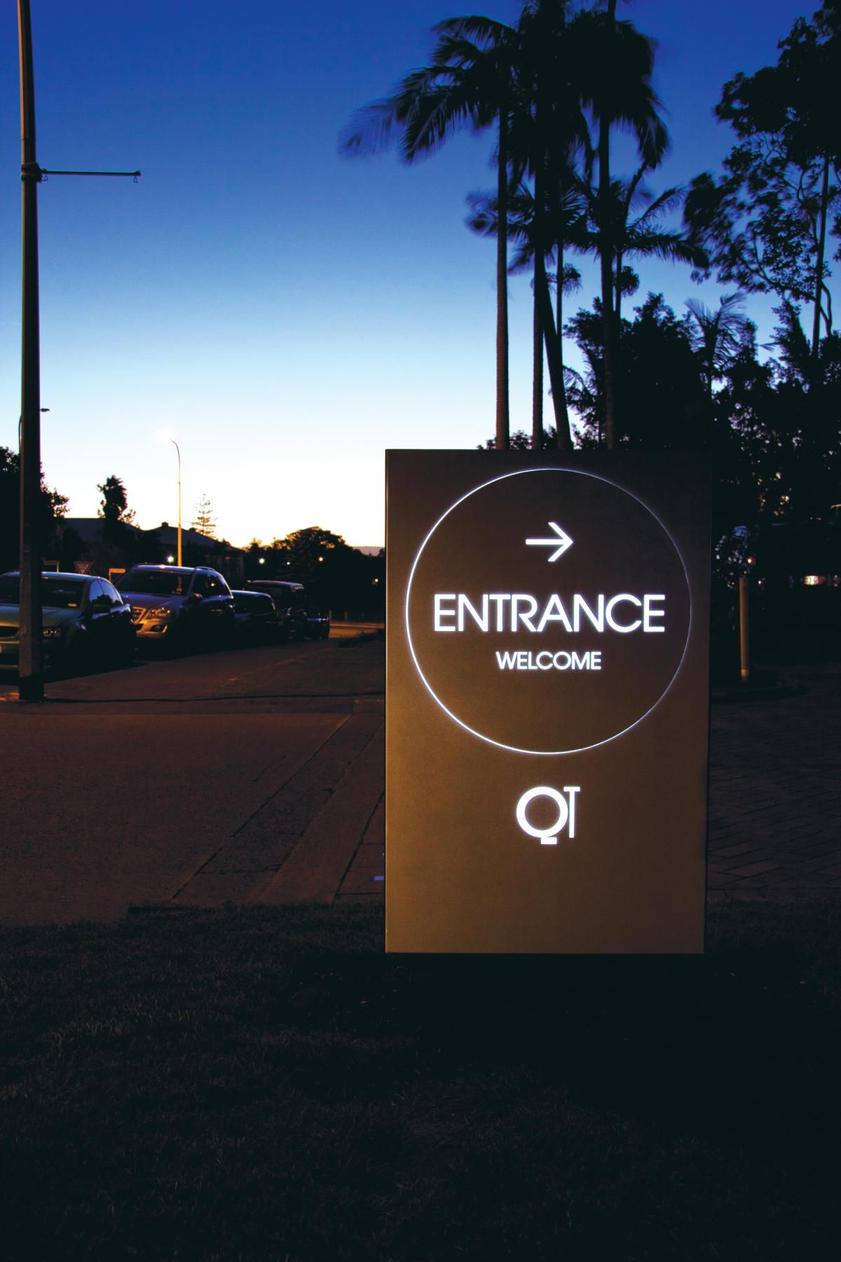 QT Gold Coast Hotel - Minimalist Entrance Signage Design.