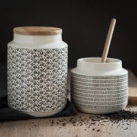 Cleep - maisondumonde - pot en faïence à motifs avec couvercle en bambou h18