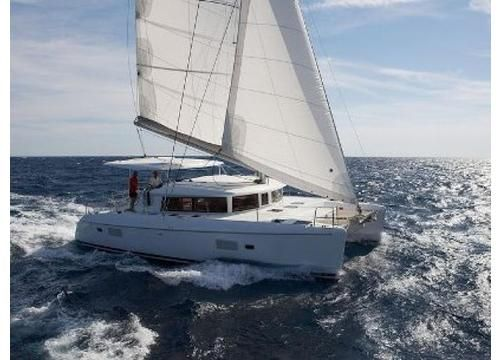 #Yachts Lagoon 400 - #SailBoat - From #Trani. Navigation Area: #Southern #Adriatic. Maximum Capacity: 10 persons. Price for week: from 6.000,00 €. - Find out more at: http://www.barcheyacht.it/noleggio-barche/vela-lagoon-400-trani-bt-italia_306/
