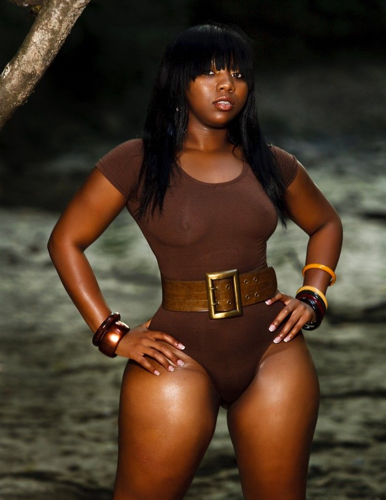 thick girls Sexy ebony