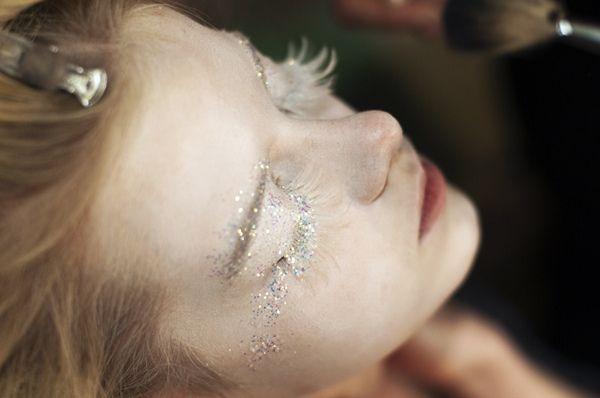 whiteglitter