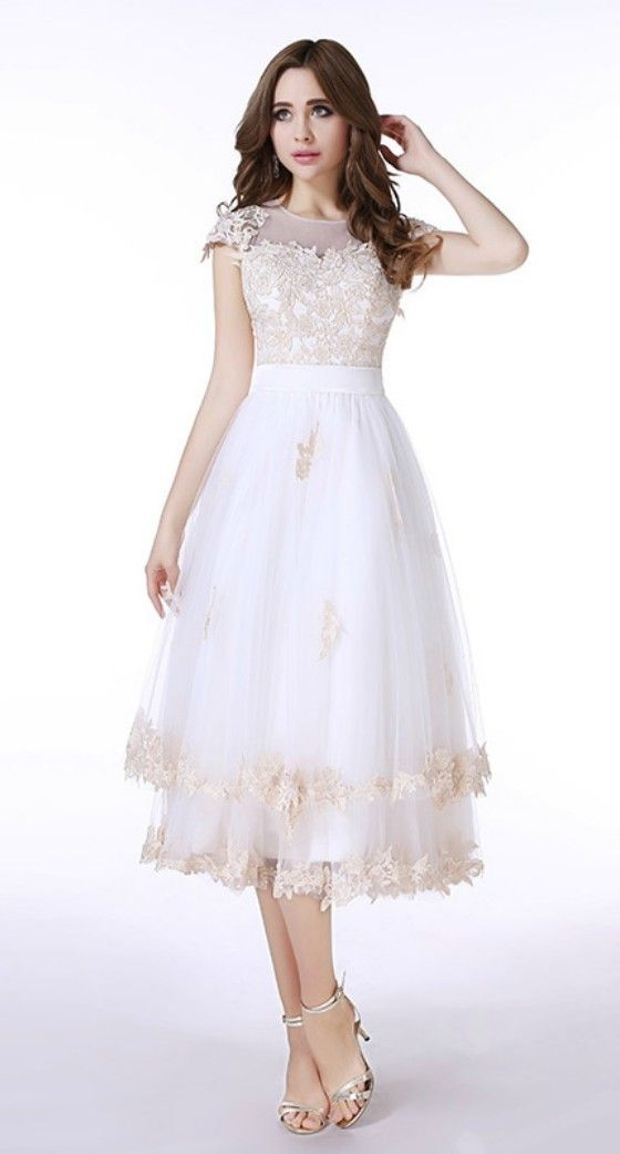 A-Line Scoop Neck Tea-Length Tulle Prom Dress With Appliques Lace ...