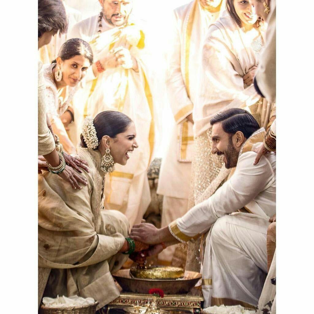 Deepika Padukone And Ranveer Singh During Their Wedding Ceremony Bollywood Wedding Deepika Ranveer Celebrity Weddings