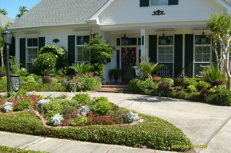 year round landscaping colorscurb appealpinterestgardens - Home Landscaping Design