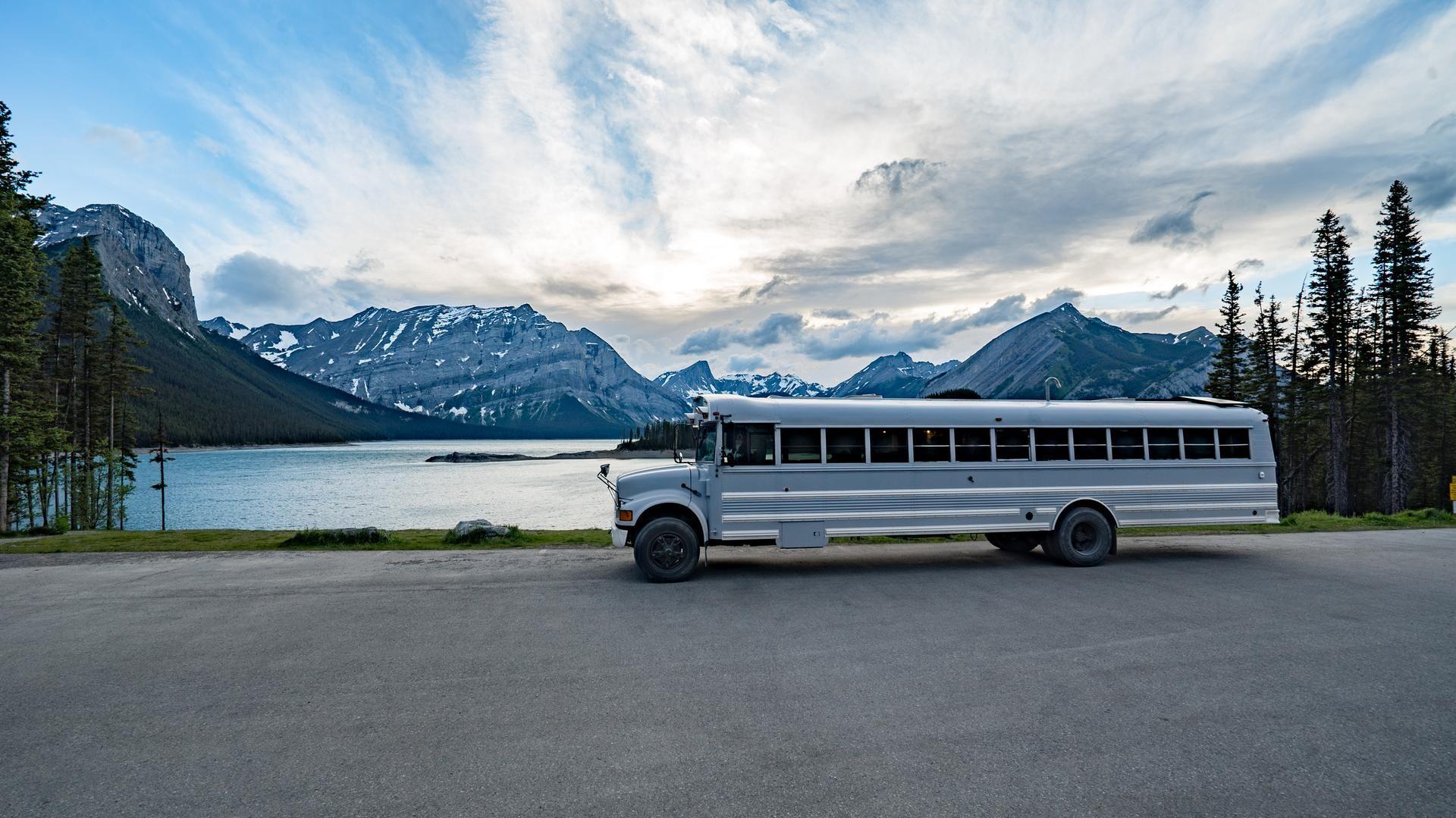 Expedition Happiness Avec Images Autobus Scolaire Ile Chapitre 1