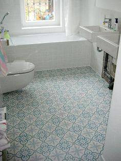 bad mit zementfliesen ira bad in 2019 zementfliesen badezimmer badezimmer und. Black Bedroom Furniture Sets. Home Design Ideas