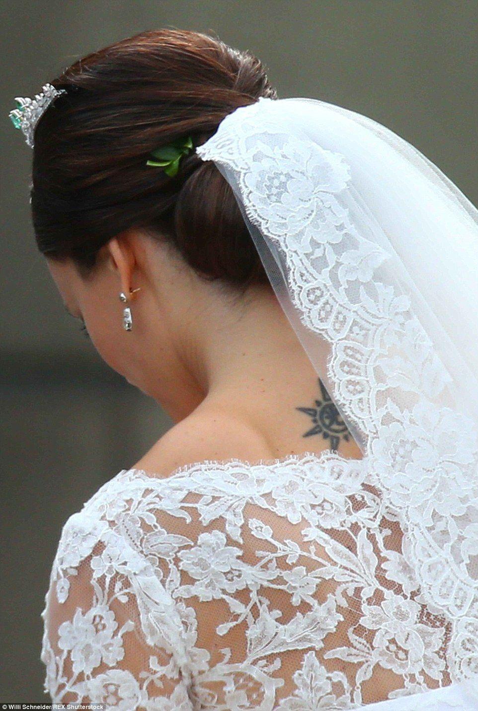 Las Princesas Y Sus Trajes De Novias Princess Sofia Of Sweden Wedding Royal Wedding Colors [ 1432 x 962 Pixel ]