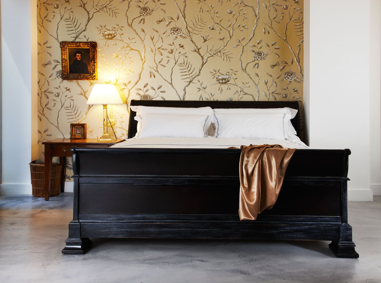 Lit Bateaux Our Handmade Claremont Sleigh Bed Has The Shape Of A Traditional