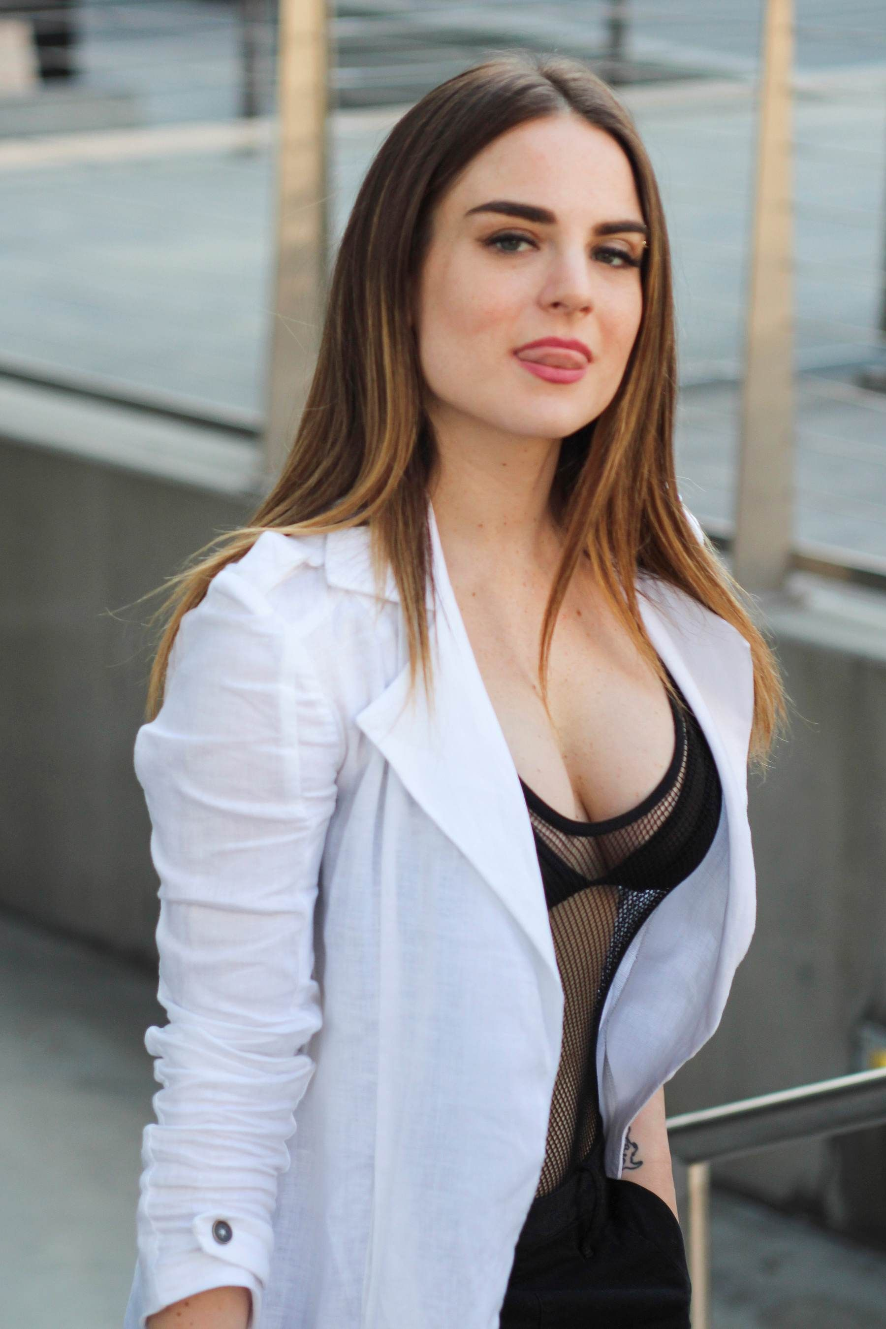 Cleavage JoJo Levesque nude photos 2019