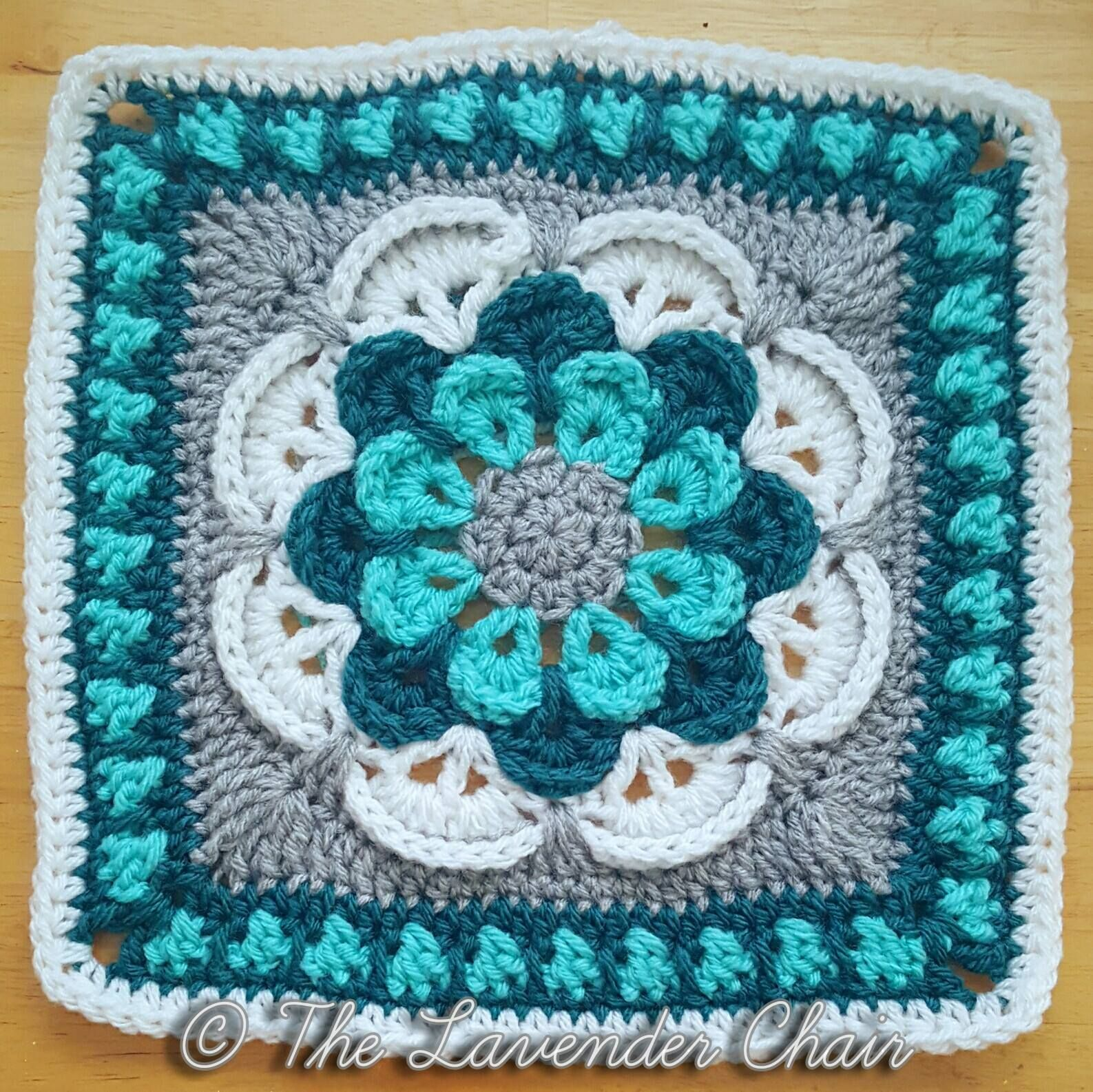 Cascading Daisy Mandala Square (The Lavender Chair) | Stricken und ...