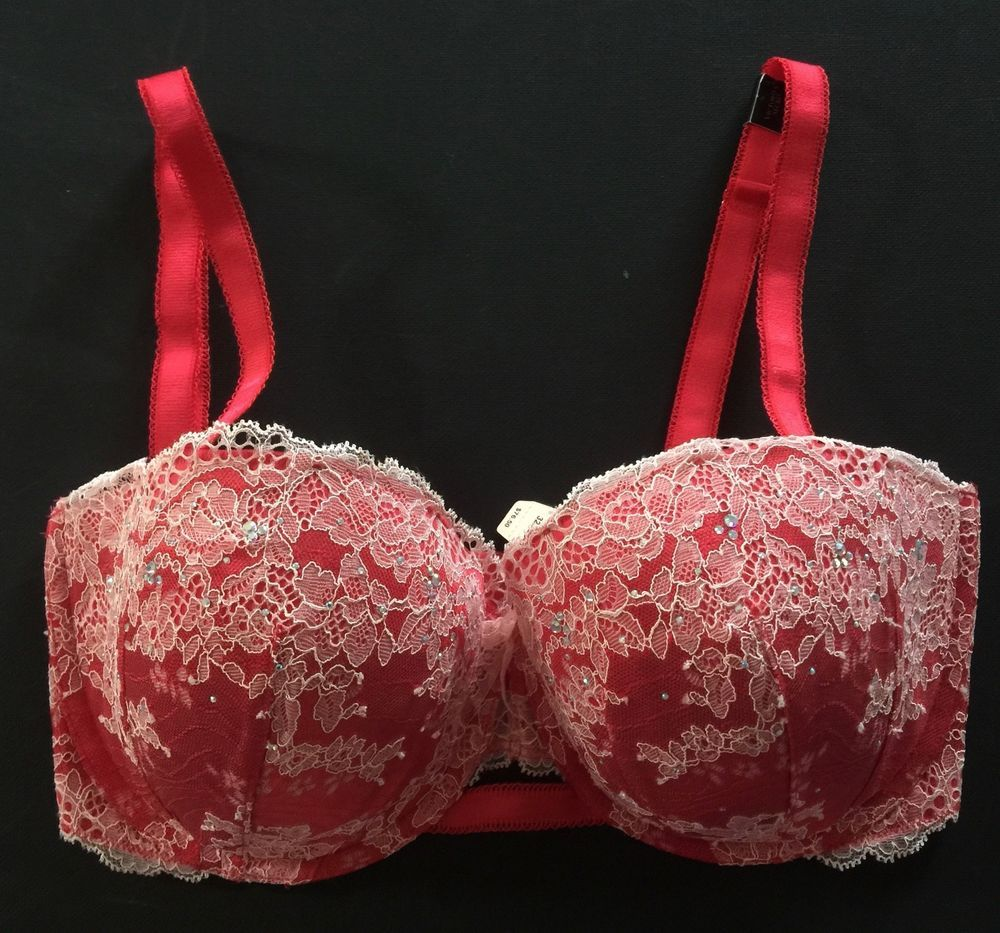 0d377570bc5bd Victoria s Secret DREAM ANGELS MULTI-WAY STRAPLESS Bra 32DDD Red Lace  Crystal  VictoriasSecret  StraplessMultiwayBras