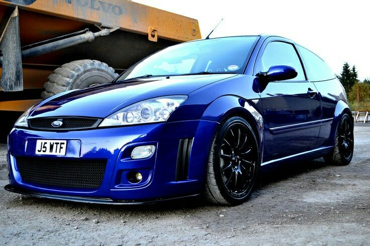 ford focus mk1 rs in the best colour
