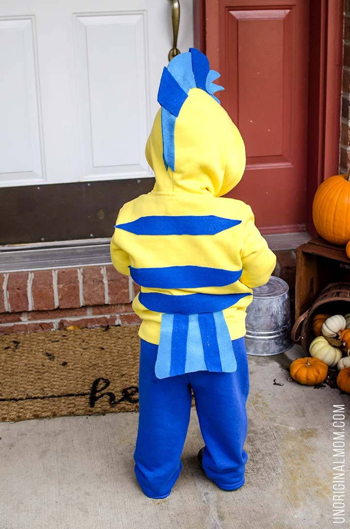 Diy Little Mermaid And Flounder Costumes Stains Halloween