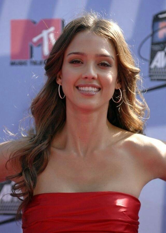 Jessica Alba   Jessica alba hair, Jessica alba pictures, Jessica alba