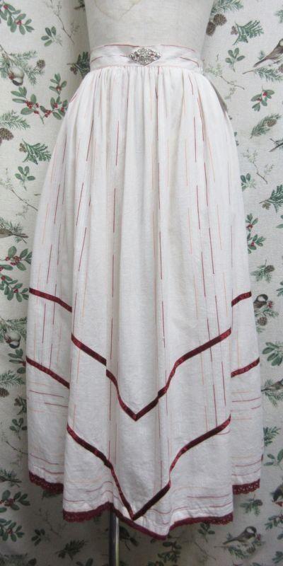 "Vintage Skirt""Tirol""〜オフホワイト×ウォームカラーステッチ&細工バックル〜"