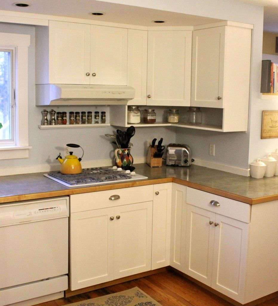 WhisperWood Cottage: 20 White Cottage Kitchens: Features from The Talent Scouting Party