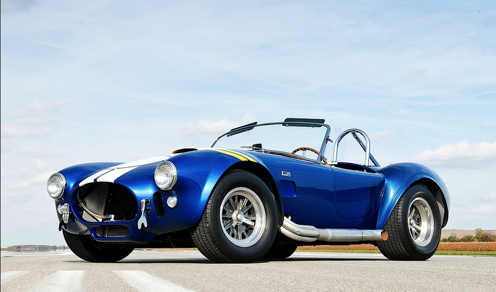 Cobra 427 Mammoth Engine Huge Brakes No Roof What Else Does One Need Shelby Cobra Shelby Dream Cars