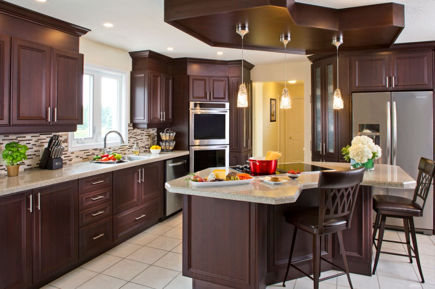 Counter King Ivory With Bevelled Edge Cabinetry Rtf Renaissance Flat In Chocolate Maple Kitchenm Kitchen Remodel Kitchen Design Refacing Kitchen Cabinets