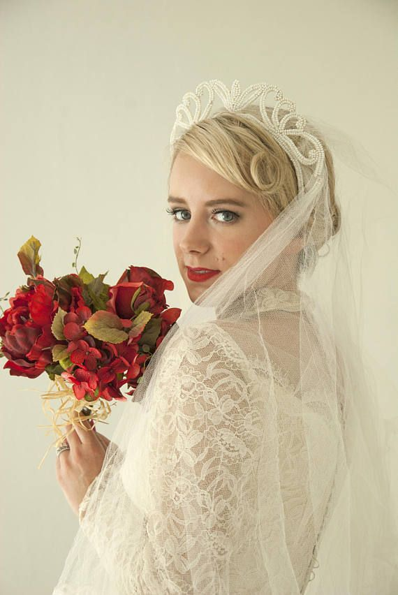 8f44f8c717042 Vintage 1940s wedding veil white tulle netting lace beaded