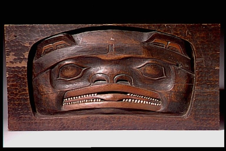 Tlingit bear relief panel. Before 1894. AMNH collection. @cargocultist
