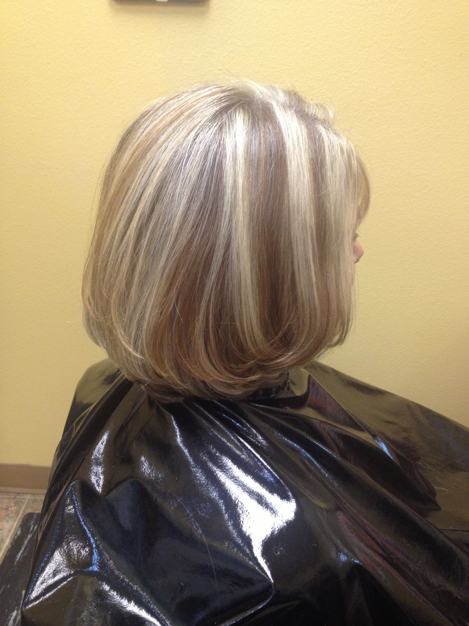 Beautiful Blonde And Honey Brown Highlights Medium Layered Haircut Created By Jessica In Sal Medium Layered Haircuts Professional Hairstyles Long Hair Styles